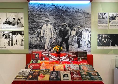 Những hình ảnh, hiện vật gắn với cuộc đời và sự nghiệp của Đại tướng Võ Nguyên Giáp