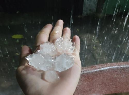 Cơ quan khí tượng lý giải hiện tượng mưa đá bất thường tại TP Hồ Chí Minh