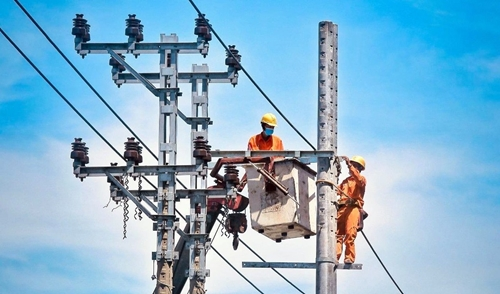 Đảm bảo cấp điện trong mùa nắng nóng và phòng chống dịch tại miền Trung – Tây Nguyên