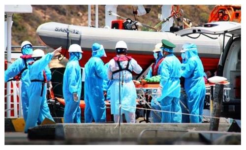 Cứu nạn thuyền viên bị tai biến khi đang lao động trên biển