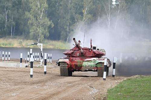 Kíp xe số 2 của Đội tuyển Xe tăng QĐND Việt Nam bắn hạ 4 5 mục tiêu