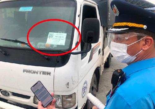Hà Nội yêu cầu kiểm tra tất cả xe luồng xanh qua chốt cửa ngõ