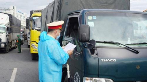 Bảo đảm an toàn giao thông và thuận lợi cho hoạt động vận chuyển trong bối cảnh dịch bệnh COVID-19