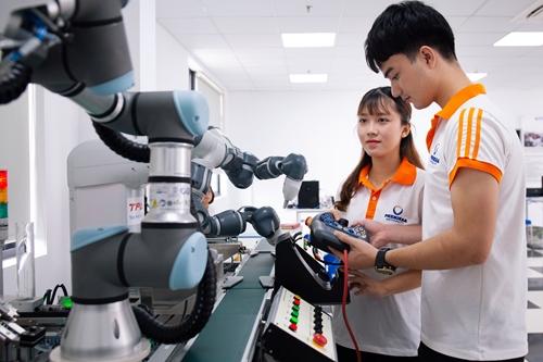Vai trò của thế hệ trẻ thực hiện chủ trương phát triển kinh tế số trên nền tảng khoa học và công nghệ, đổi mới sáng tạo