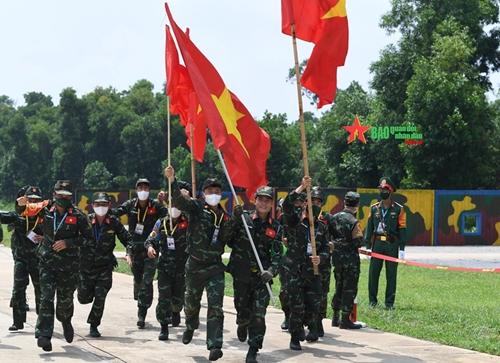 """Đội tuyển Việt Nam đoạt Huy chương Bạc nội dung """"Vùng tai nạn"""" tại Army Games 2021"""