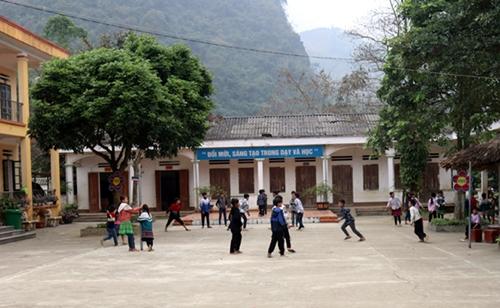 Tiếp tục phát triển giáo dục đào tạo vùng dân tộc thiểu số