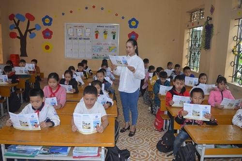 Tuyên Quang 100 học sinh, sinh viên tham gia BHYT