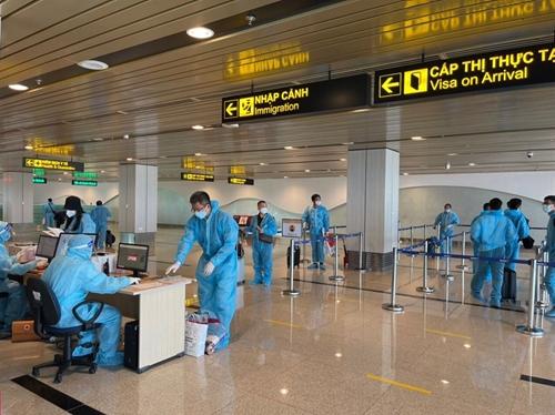 Hai chuyến bay thí điểm cách ly tập trung 7 ngày với công dân từ Hoa Kỳ về nước