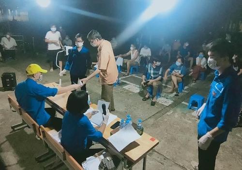 Thanh niên tình nguyện tích cực tham gia phòng, chống dịch
