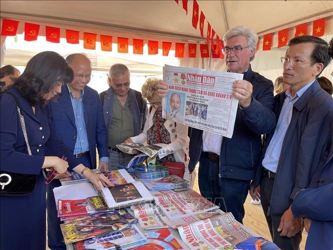 Ấn tượng Việt Nam tại Hội Báo Nhân đạo Pháp 2021