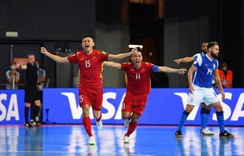 Tuyển futsal Việt Nam thua Brazil ở trận ra quân Futsal World Cup