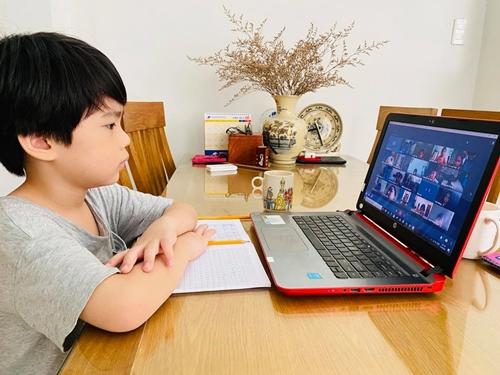TP Hồ Chí Minh 94,34 học sinh tiểu học tham gia học trực tuyến