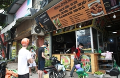 Hà Nội Một số khu vực hàng, quán bắt đầu mở cửa trở lại