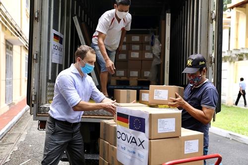 CHLB Đức hỗ trợ Việt Nam 852 480 liều vắc-xin qua cơ chế COVAX