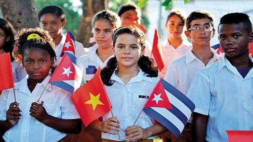 Quan hệ đặc biệt Việt Nam - Cuba ngày càng bền chặt