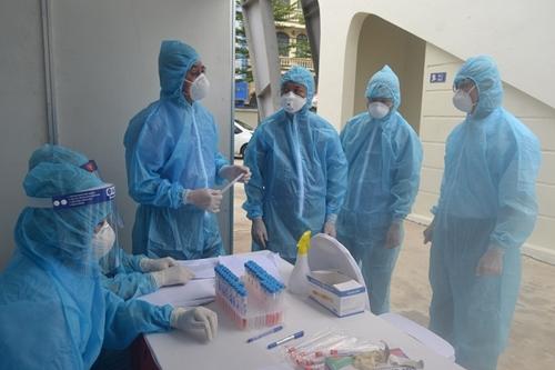 Hà Nội khen thưởng 245 tập thể, cá nhân có thành tích trong phòng, chống dịch