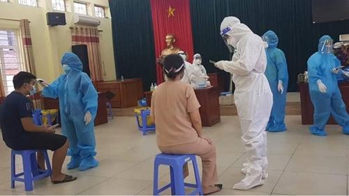 Hà Nội thêm 1 ca mắc COVID-19 liên quan đến chùm ca bệnh mới tại quận Long Biên