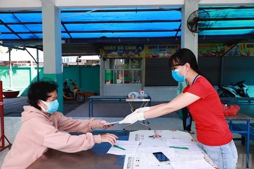 TP Hồ Chí Minh Khẩn trương rà soát, kịp thời hỗ trợ người dân khó khăn