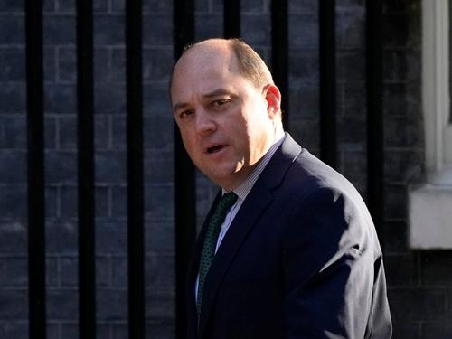 Pháp hủy Hội nghị thượng đỉnh Quốc phòng với Anh