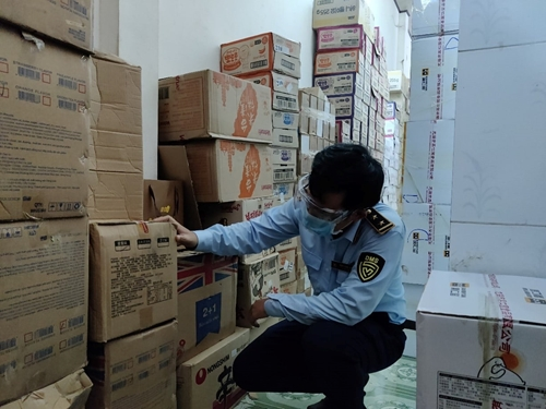 Đà Nẵng Tạm giữ 43 463 đơn vị sản phẩm bánh, kẹo không có hóa đơn, chứng từ