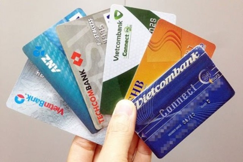 Ngân hàng nói gì về thuật ngữ tài khoản tạm khóa báo có