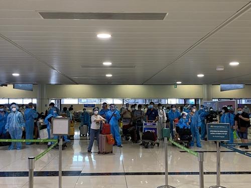 Bắc Giang 3 chuyến bay đón 920 công dân từ TP Hồ Chí Minh và hai tỉnh Bình Dương, Đồng Nai về quê
