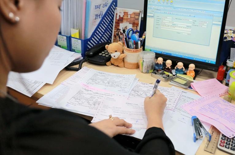 Giả hồ sơ, chữ ký chịu trách nhiệm thế nào