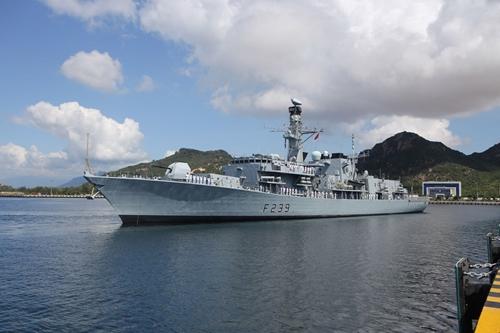 Tàu Hải quân Hoàng gia Anh HMS Richmond thăm Việt Nam