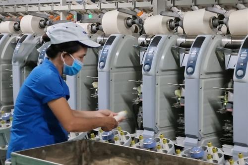 Thủ tướng chỉ thị phục hồi sản xuất tại các khu vực sản xuất công nghiệp