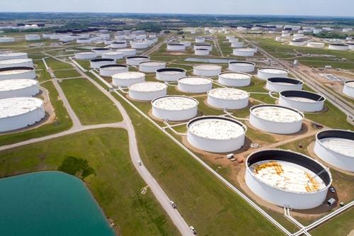 Giá dầu thế giới giảm trước cuộc họp của OPEC+