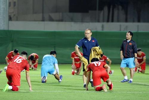 ĐT Việt Nam rà soát đội hình cho trận đấu với ĐT Trung Quốc
