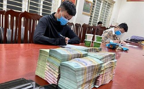 Đường dây đánh bạc nghìn tỷ ở Hà Nội bị triệt phá như thế nào