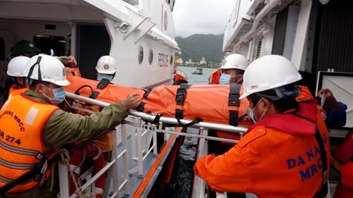 Cứu kịp thời thuyền viên bị tai nạn trên biển