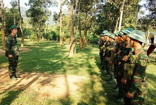 Sư đoàn 324 kiểm tra bắn chiến đấu cấp tiểu đội bộ binh