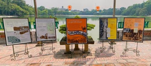"""Tái hiện ký ức đẹp """"Hồ Gươm, giao lộ Đông - Tây"""""""