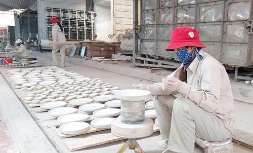 TX Đông Triều Phòng chống dịch gắn với phát triển kinh tế