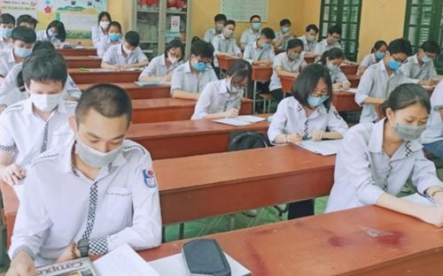 Thái Bình Phấn đấu có 100 số trường học và 100 HSSV tham gia BHYT trong năm học 2021-2022
