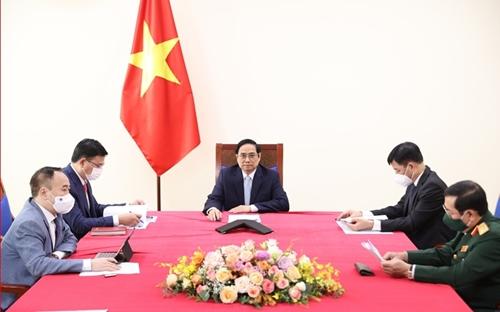 Thủ tướng Phạm Minh Chính điện đàm với Phó Tổng thống Thổ Nhĩ Kỳ