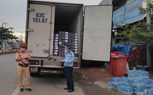 Tạm giữ 4 tấn đầu cá hồi nhập khẩu vi phạm nhãn hàng hóa