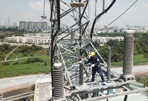 """EVNHCMC tự động """"khám, chữa bệnh"""" cho trạm và lưới điện 110kV"""