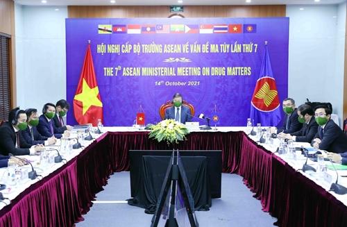 Việt Nam chia sẻ lập trường về thái độ không khoan nhượng với ma túy