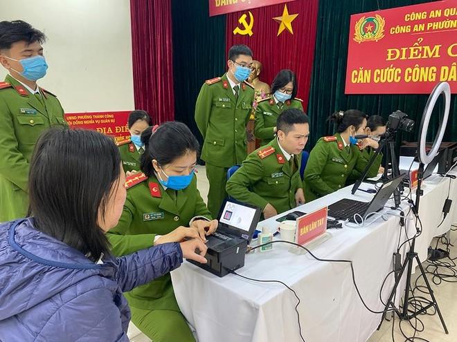   Công an Hà Nội tiếp tục mở đợt cấp thẻ căn cước công dân gắn chíp điện tử