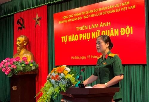 Trưng bày 150 bức ảnh tiêu biểu về phụ nữ Quân đội