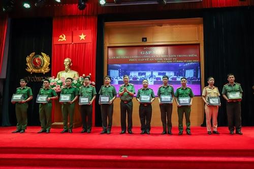 Bộ Công an tăng cường 391 cán bộ, chiến sỹ về các xã biên giới