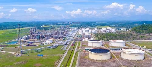 Cổ phiếu đầu ngành dầu khí tiếp đà tăng, BSR cao nhất 1 năm qua
