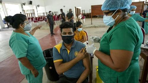 Thế giới ghi nhận gần 404 nghìn ca nhiễm mới trong 24 giờ