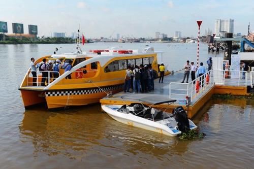 TP Hồ Chí Minh từng bước khôi phục hoạt động vận chuyển hành khách