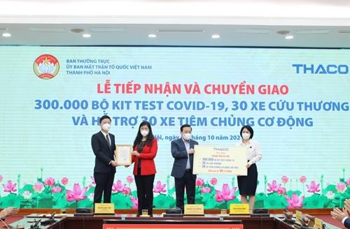 Hà Nội tiếp nhận nhiều vật tư, phương tiện ủng hộ phòng, chống dịch