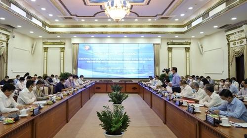 Xây dựng chương trình phục hồi và phát triển kinh tế - xã hội TP Hồ Chí Minh