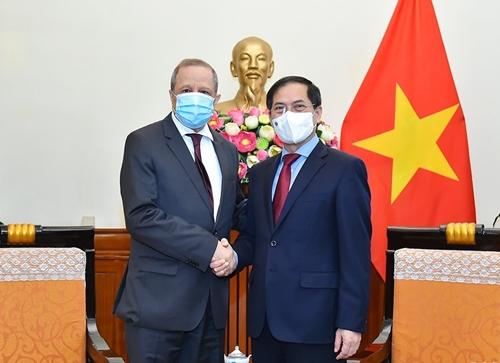 Việt Nam luôn coi trọng quan hệ hữu nghị truyền thống với Algeria
